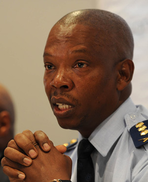 Gauteng Police Commissioner, Lt.General Mzwandile Petros addressed the Bedfordview 'State of the Surburb' community meeting. 